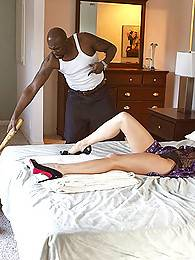 A legend just recently became Raquel's neighbor, married for 3-5 years and never seen a black mamba. She puts off a romantic evening with her husband to lure the mamba into her house.